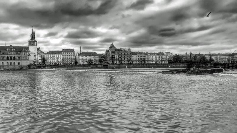 02_TH_Prag