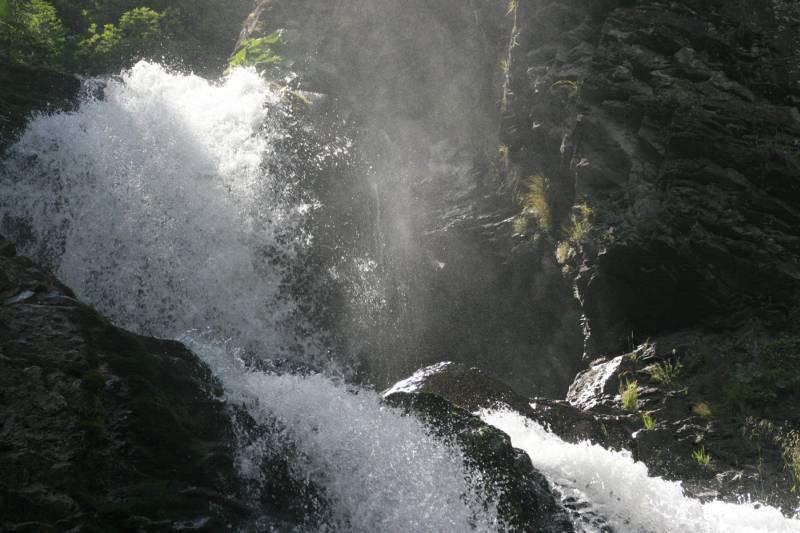 A_4.Platz-004-Wasserfall