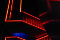 Projektion_Platz_1_Elke_Baumberger_Treppenaufgang_illuminiert